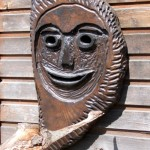 maska drewniana ozdobna